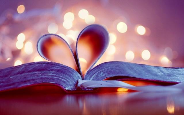 heart-book-bokeh-love-wallpaper-1680x1050